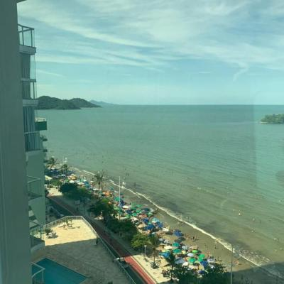 Apartamento com 3 vagas de garagem + 3 suítes (sendo 01 master com hidromassagem e vista para o mar) em Balneário Camboriu