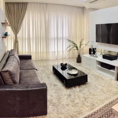 Apartamento diferenciado com 3 suítes + 2 vagas de garagem + área de lazer completa no centro de Balneário Camboriu