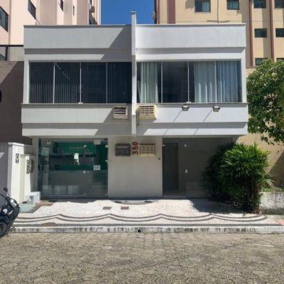 Sala comercial no centro de Balneário Camboriu