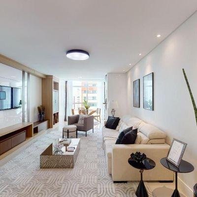 Apartamento mobiliado, decorado e equipado no centro de Balneário Camboriu com 3 suítes