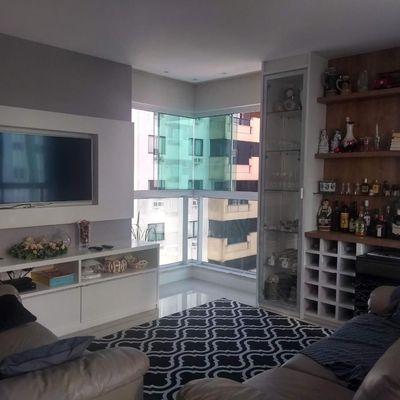 Apartamento à Venda Com 3 Suítes Mobiliado Completa área de Lazer 03 Vagas Centro de Balneário Camboriú