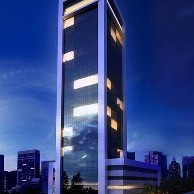 Sala comercial no centro de Balneário Camboriu com estacionamento + auditório + portaria 24 horas
