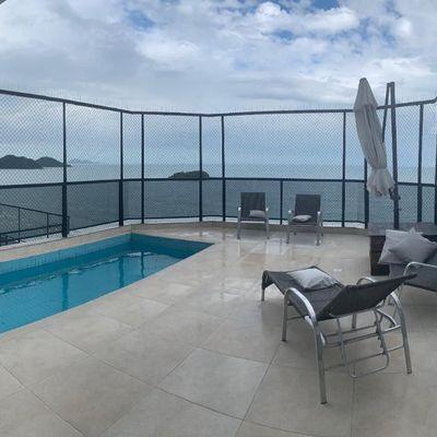 Cobertura duplex com vista para o mar + piscina privativa + 4 suítes com closet + 3 vagas de garagem em Balneário Camboriu