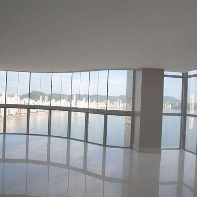 Apartamento Cobertura Duplex Frente para o Mar em Balneário Camboriú com 6 suítes e 5 Vagas de Garagem