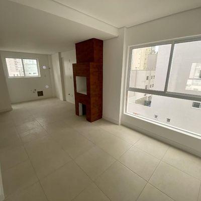 Apartamento novo no centro de Balneário Camboriu com 3 dormitórios (sendo 2 suítes) + churrasqueira