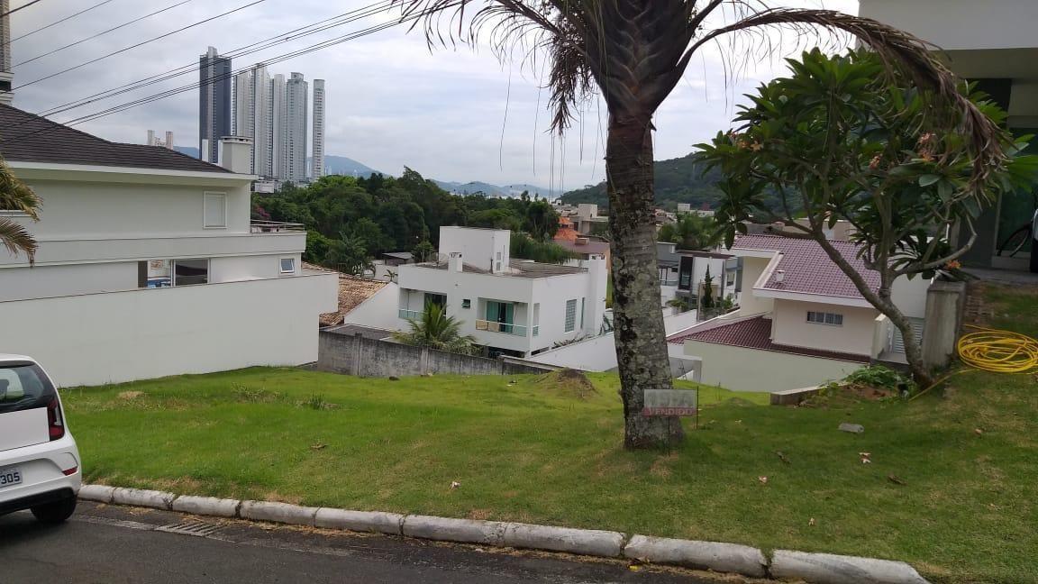 Terreno condomínio fechado em balneário Camboriú