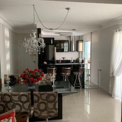 MOBILIADO - 03 dormitórios com 2 vagas e lazer no centro de Balneário Camboriú