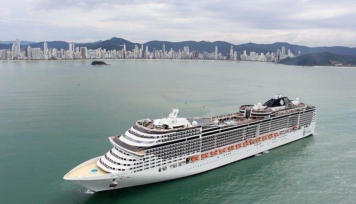 Por que Balneário Camboriú tem recebido tantos navios?