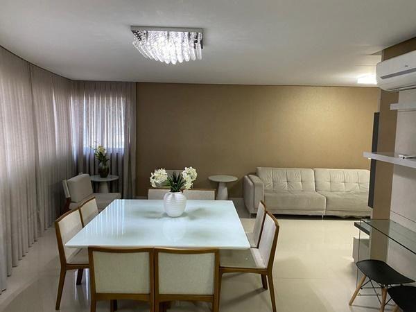 Apartamento pronto pra morar no centro de Balneário Camboriu com 4 suítes + 3 vagas de garagem