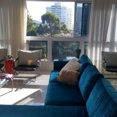 apartamento á venda na Praia Brava em Itajaí com linda vista para o mar todo mobiliado e decorado