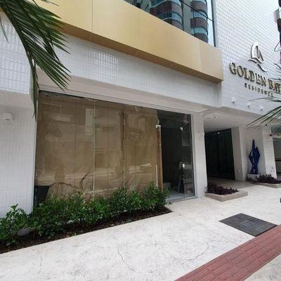 Sala comercial no centro de Balneário Camboriu com 2 vagas de garagem