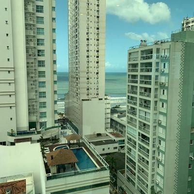 Apartamento mobiliado com vista para o mar + três suítes em Balneário Camboriu