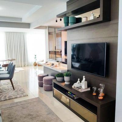 Apartamento mobiliado e decorado no centro de Balneário Camboriu com 3 suítes + 3 vagas de garagem