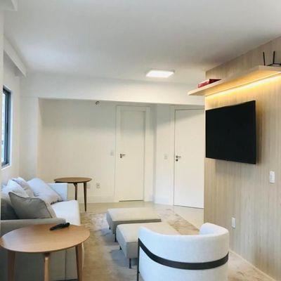 Duplex com 3 dormitórios e 2 vagas na quadra do mar em Balneário Camboriú