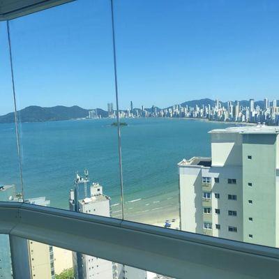 Cobertura Duplex com piscina privativa + 4 suítes + 2 vagas de garagem e linda vista da orla de Balneário Camboriu