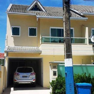 Sobrado à Venda Com 03 Dormitórios Sendo 1 Suíte e demais dependências no Ariribá em Balneário Camboriú.