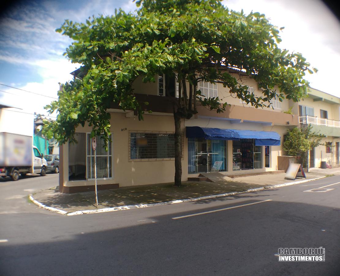 Casa com ponto comercial - Jardim Iate Clube, Baln. Camboriú