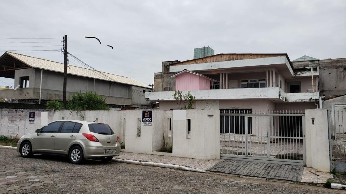 Terreno com casa para Venda ou permuta no bairro São Vicente em Itajaí