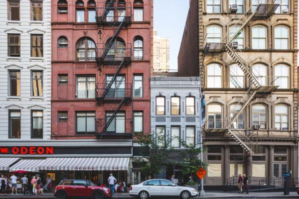 Veja as vantagens e desvantagens de morar em um prédio com fachada ativa