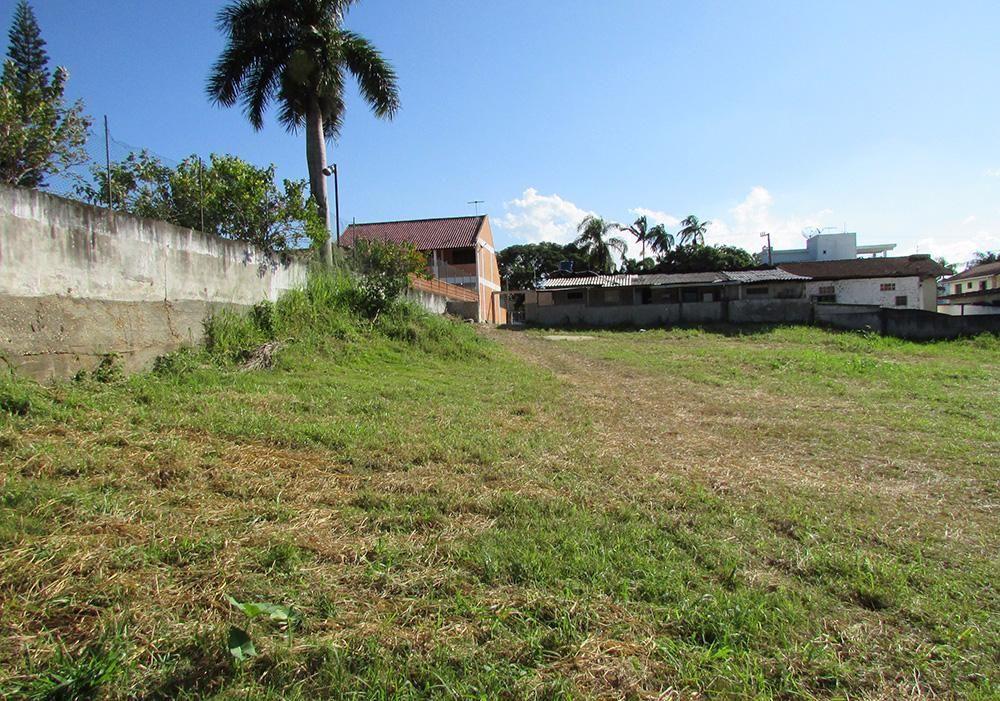 Terreno com 1.225,00 m² no centro de Camboriú