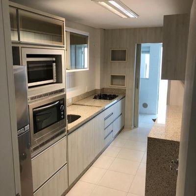Apartamento Mobiliado, 2 dormitórios sendo 1 Suíte, Ariribá Balneário Camboriú