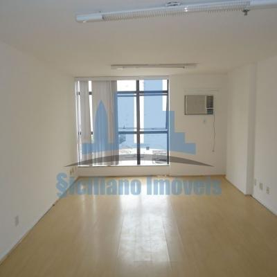 Sala com 34m no Tower 2000