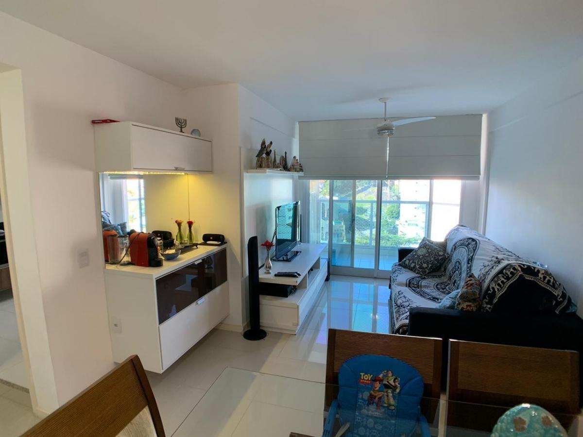 2 quartos sendo1 suite, varanda e lazer completo