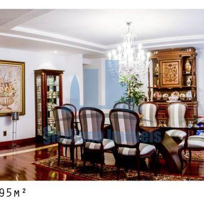 Apartamento magnífico no Miolo de Icaraí, 4 suítes e 4 vagas