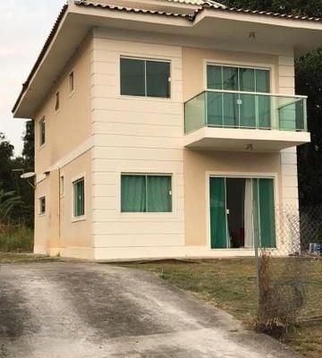 Ótima casa em condomínio na região oceânica