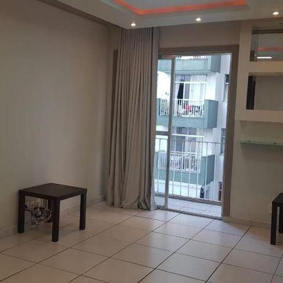 Oportunidade apartamento com suíte e varanda no Ingá