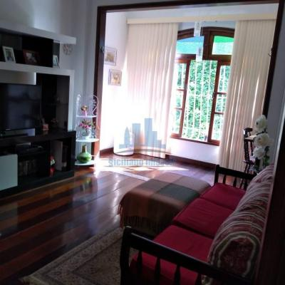 Excelente oportunidade de apartamento 3 quartos na Praia de Icaraí