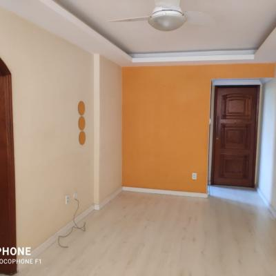Ótimo apartamento 2 quartos no Fonseca