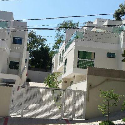 CONDOMÍNIO GREEN HOUSES - CASA 5 SUÍTE FRENTE PARA A RUA