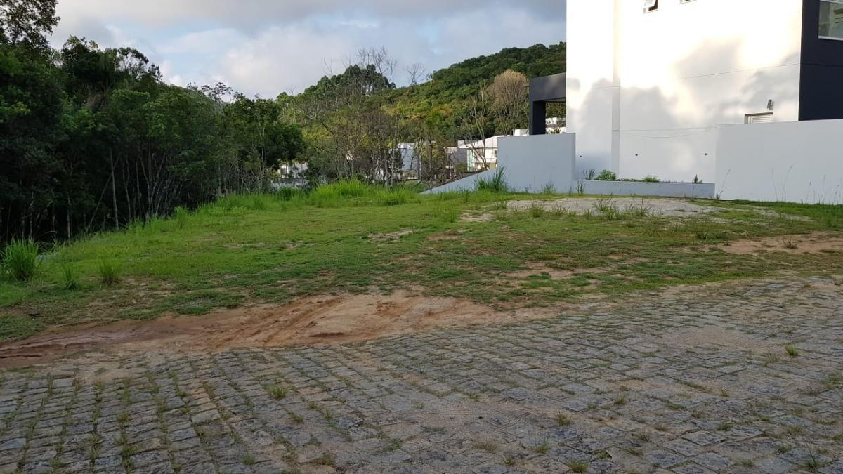 Terreno no Condomínio Haras Rio do Ouro em Balneário Camboriú