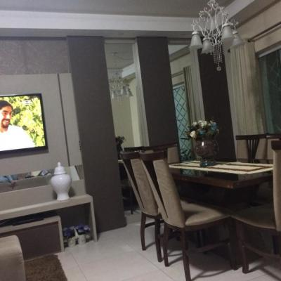 Lindo Sobrado bem localizado a venda em Balneário Camboriú