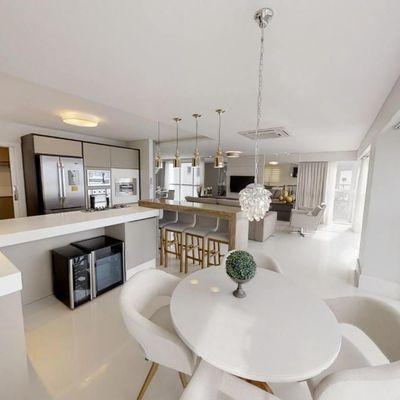 Apartamento mobiliado, decorado e equipado no Edifício Ibiza Towers em Balneário Camboriú