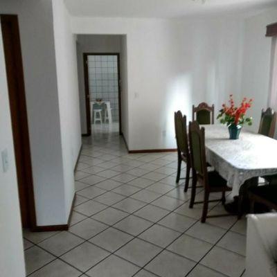 Excelente apartamento semi mobiliado a venda no centro de Balneário Camboriú