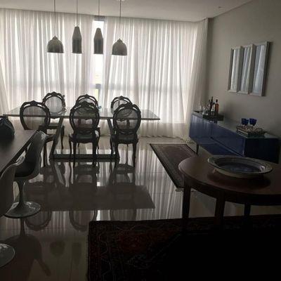 Para venda e Locação ANUAL - Apartamento de alto padrão com 3 suítes em Balneário Camboriú