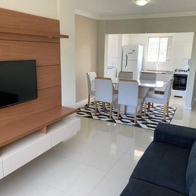 Apartamento Semi Mobiliado com 3 dormitórios sendo 1 suíte a venda em Balneário Camboriú