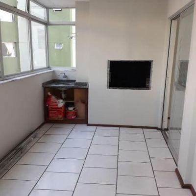 Excelente apartamento na quadra mar com 1 suíte em Balneário Camboriú