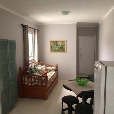 Apartamento mobiliado com 2 dormitórios a venda no Bairro da Barra em Balneário Camboriú