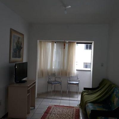 Apartamento com 2 dormitórios locação diaria no centro de Balneário Camboriú