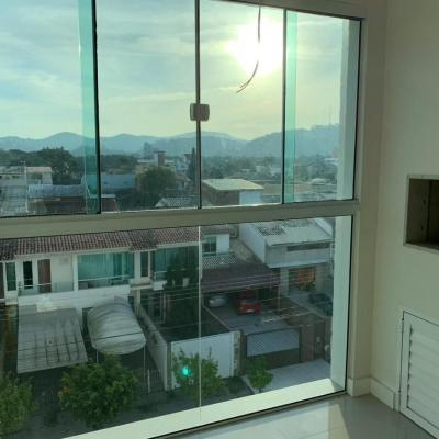 Apartamento com 2 quartos sendo 1 suíte a venda em Camboriú