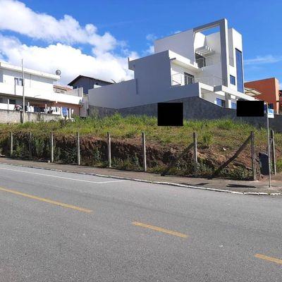 Terreno a venda com viabilidade para 2 pavimentos em Balneário Camboriú