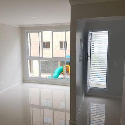 Apartamento para Locação Anual no Condomínio Garden Village com 2 dormitórios em Balneário Camboriú