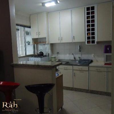 Apartamento disponível para aluguel de temporada no centro de Balneário Camboriú