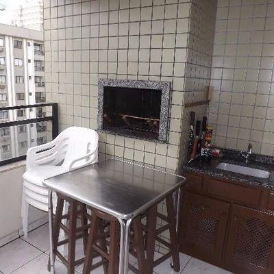 Apartamento com 3 dormitórios próximo a Avenida Brasil no centro de Balneário Camboriú