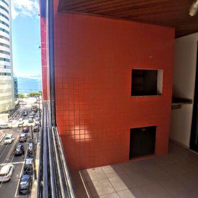 Apartamento mobiliado a venda apenas 50 metros do mar em Balneário Camboriú