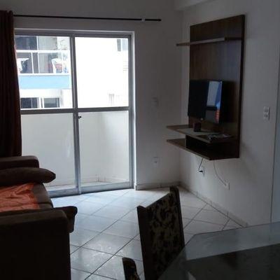 Apartamento com um excelente acabamento, todo mobiliado no centro de Balneário Camboriú
