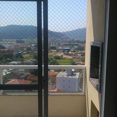 Apartamento em prédio novo com 2 dormitórios no centro de Camboriú